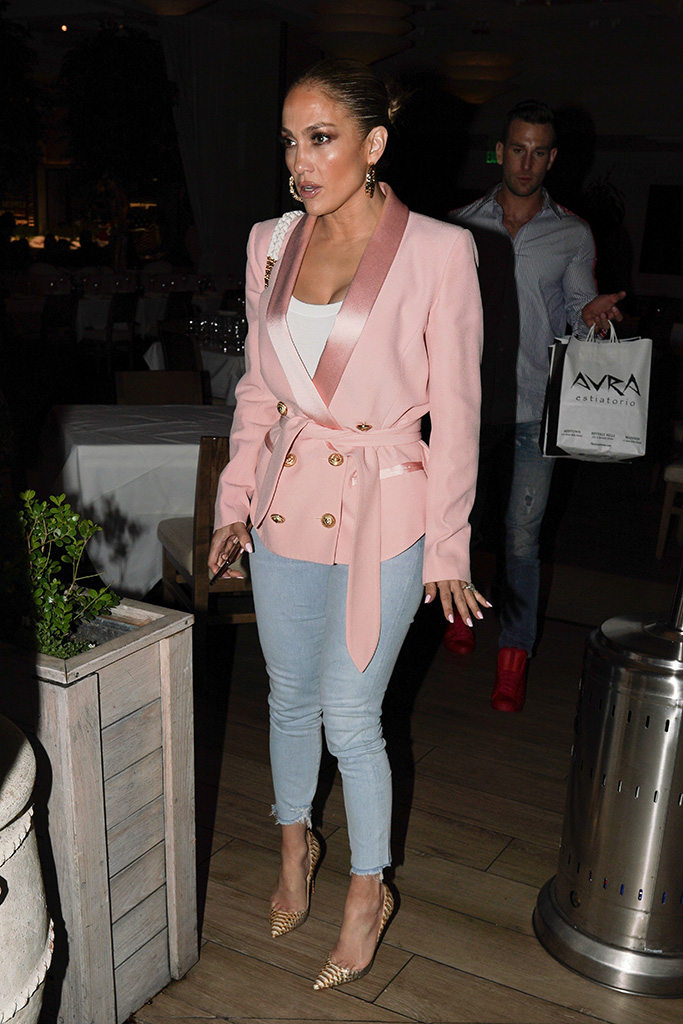 Jennifer Lopez, pink blazer, skinny jeans, christian louboutin croc pumps, eats at avra Beverly Hills with friends on Memorial DayPictured: Jennifer LopezRef: SPL5093786 280519 NON-EXCLUSIVEPicture by: Shotbyjuliann / SplashNews.comSplash News and PicturesLos Angeles: 310-821-2666New York: 212-619-2666London: 0207 644 7656Milan: 02 4399 8577photodesk@splashnews.comWorld Rights