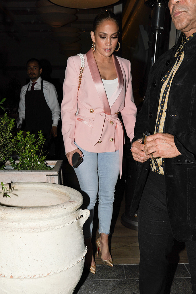 Jennifer Lopez, pink blazer, skinny jeans, christian louboutin croc pumps, eats at avra Beverly Hills with friends on Memorial DayPictured: Jennifer LopezRef: SPL5093786 280519 NON-EXCLUSIVEPicture by: Shotbyjuliann / SplashNews.comSplash News and PicturesLos Angeles: 310-821-2666New York: 212-619-2666London: 0207 644 7656Milan: 02 4399 8577photodesk@splashnews.comWorld RightsJennifer Lopez eats at avra Beverly Hills with friends on Memorial DayPictured: Jennifer LopezRef: SPL5093786 280519 NON-EXCLUSIVEPicture by: Shotbyjuliann / SplashNews.comSplash News and PicturesLos Angeles: 310-821-2666New York: 212-619-2666London: 0207 644 7656Milan: 02 4399 8577photodesk@splashnews.comWorld Rights