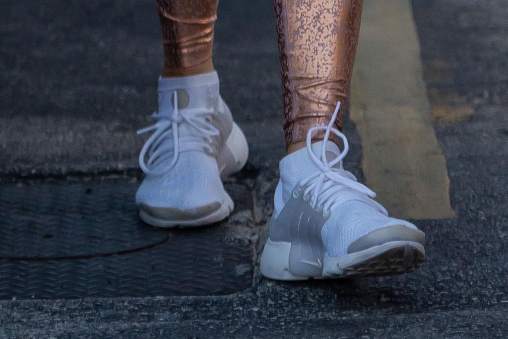 j-lo, nike air presto sneakers, gym style, miami, jennifer lopez shoe style