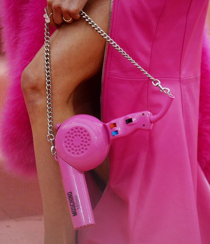 Kacey Musgraves, moschino, met gala 2019, barbie, blow dryer purse, blond