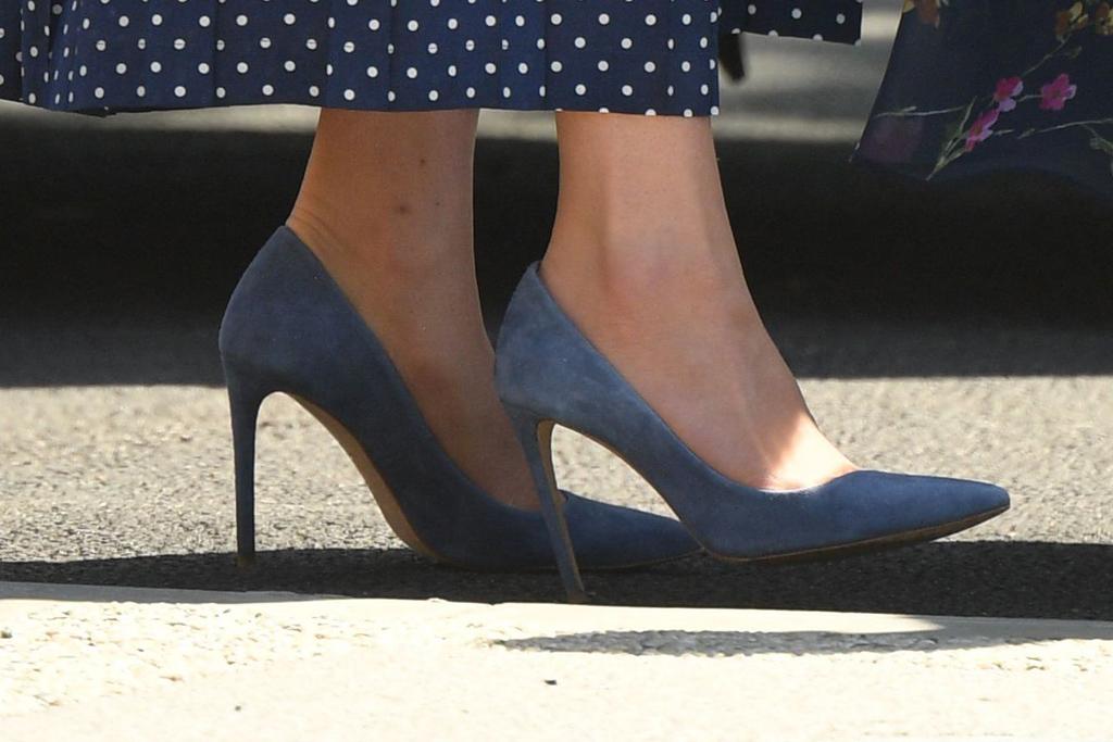 Alessandra Rich dress, kate middleton, duchess of cambridge, Alessandra Rich, polka dots, blue heels