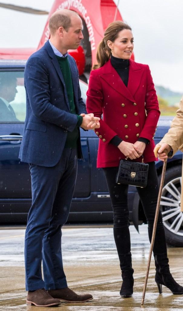 Kate Middleton, black pants, red blazer, aquatalia boots, royal style, Prince William and Kate Middleton