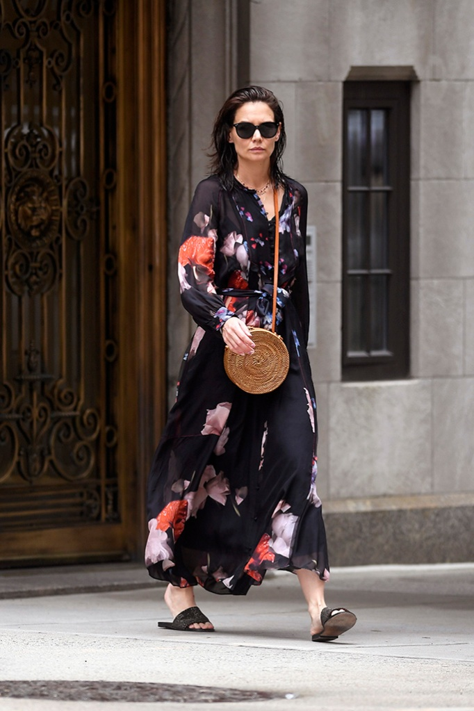 Katie Holmes, floral dress, shiny black slides, new york city, shopping trip, goes 0ut shopping at ABC carpet and Home in New York CityPictured: Katie HolmesRef: SPL5093901 280519 NON-EXCLUSIVEPicture by: Elder Ordonez / SplashNews.comSplash News and PicturesLos Angeles: 310-821-2666New York: 212-619-2666London: 0207 644 7656Milan: 02 4399 8577photodesk@splashnews.comWorld Rights, No Portugal Rights