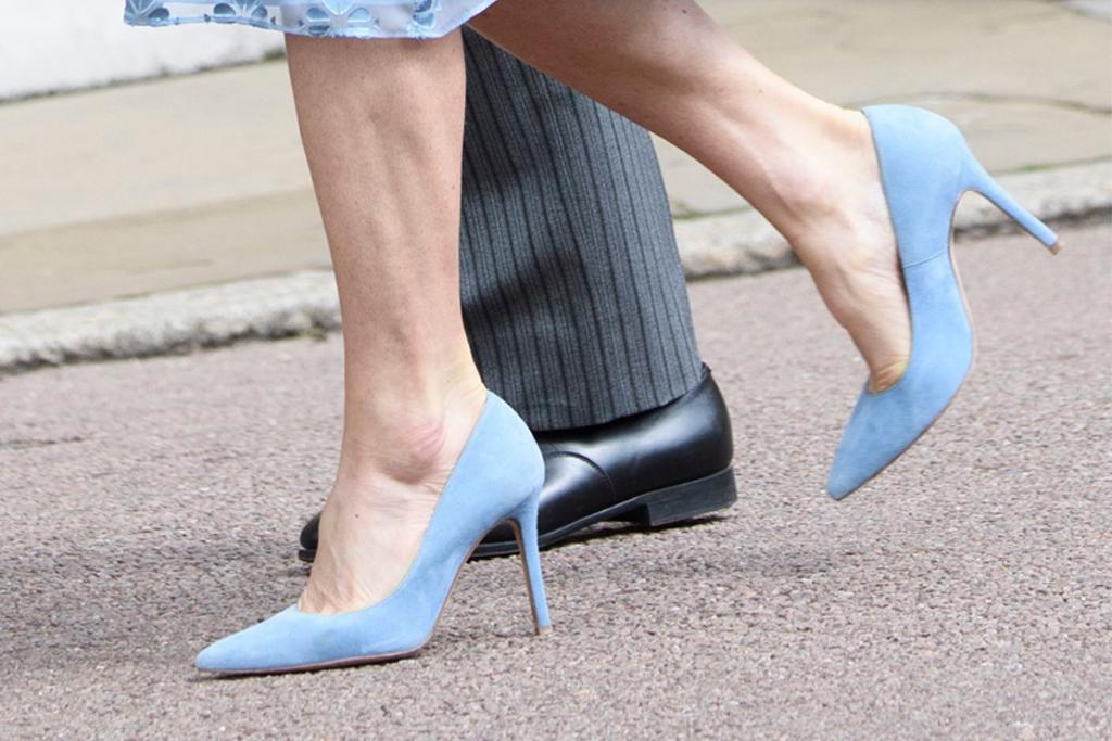 pippa middleton, james matthew, lady gabriella windsor, royal wedding, blue heels, blue dress