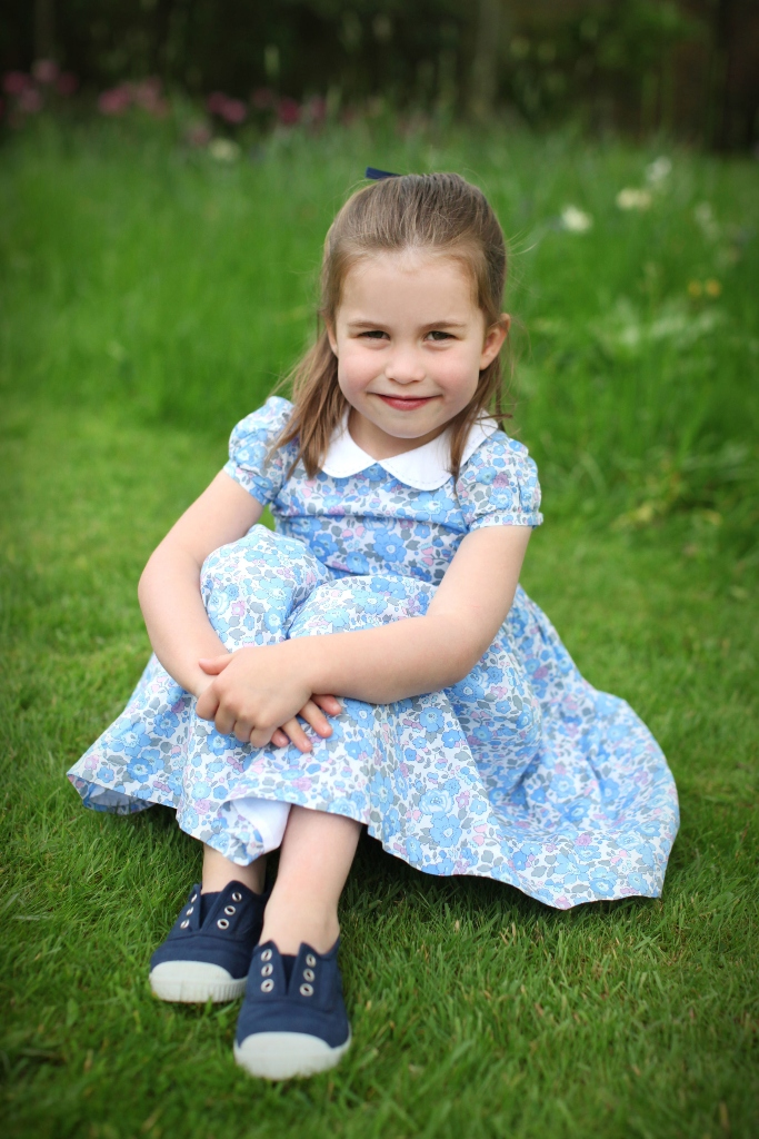 princess charlotte, kate middleton, birthday, blue shoes, dress