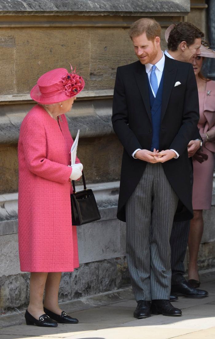 queen elizabeth, queen elizabeth ii, pink dress, royal wedding, lady gabriella windsor, prince harry