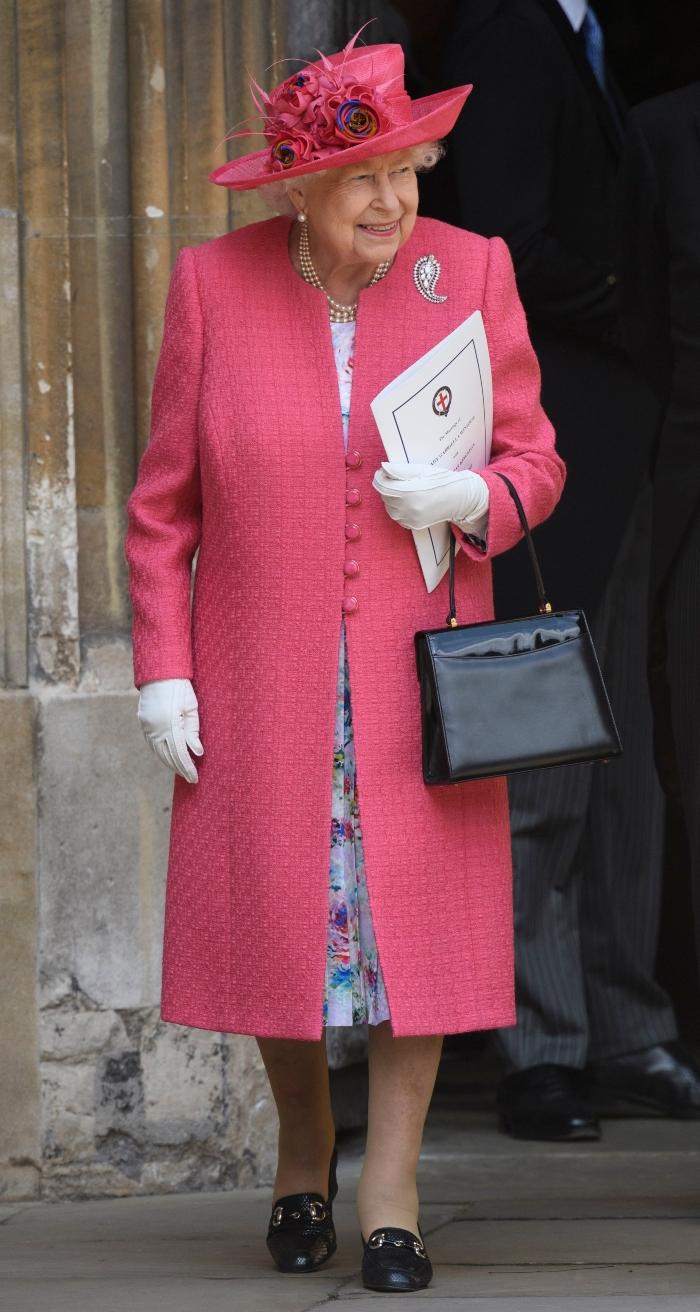 queen elizabeth, queen elizabeth ii, pink dress, royal wedding, lady gabriella windsor