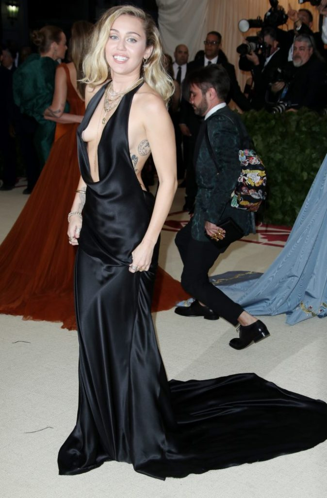 Miley CyrusThe Metropolitan Museum of Art's Costume Institute Benefit celebrating the opening of Heavenly Bodies: Fashion and the Catholic Imagination, Arrivals, New York, USA - 07 May 2018WEARING STELLA MCCARTNEY