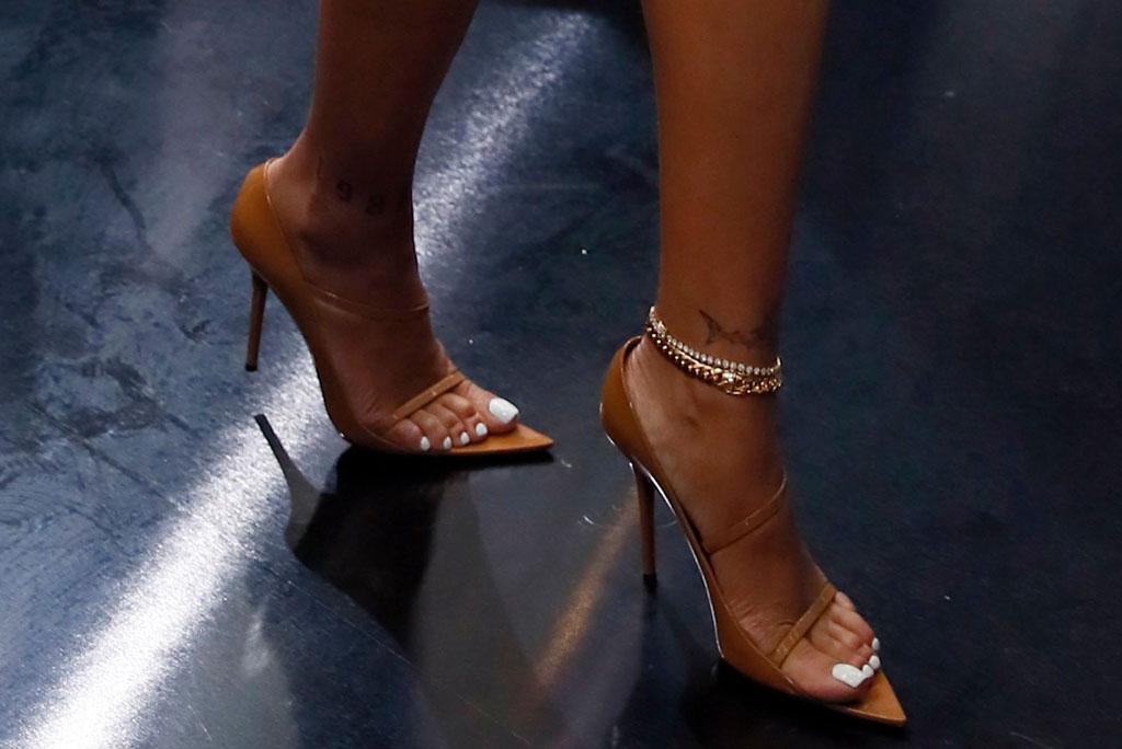 rihanna, brown sandals, celebrity style, stilettos, fenty, anklet, shoe style, toes, feet, paris