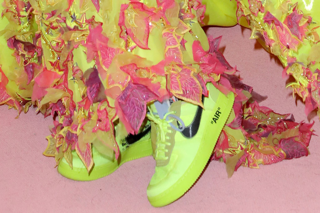 Serena Williams, off-white x nike sneakers, met gala 2019, red carpet