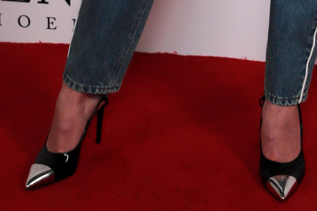 Sophie Turner, louis vuitton, x-men: dark phoenix london photocall, celebrity style, cap toe pumps