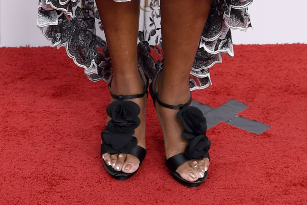 Star Jones, sandals, kentucky derby, celebrity style, feet