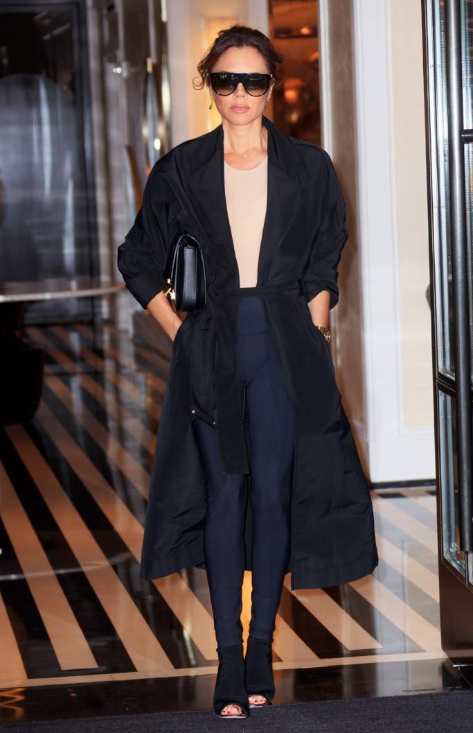 Victoria Beckham, victoria beckham spring 2019 Cotton-blend trench coat, peep-toe booties, leggings