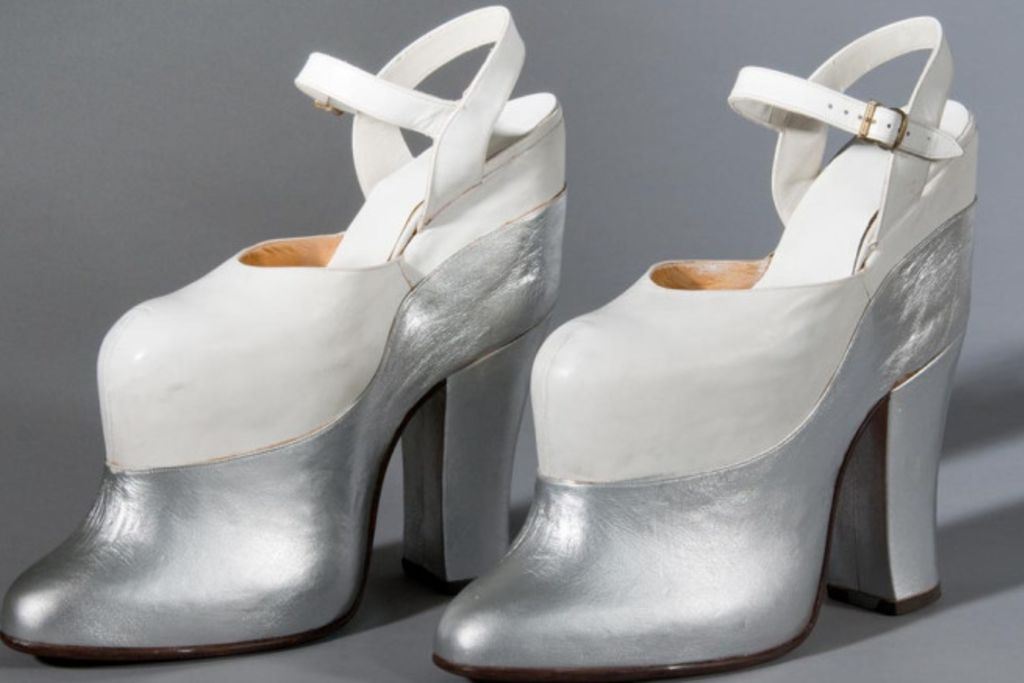 mae, west, platform, shoe, 1930s, hollywood
