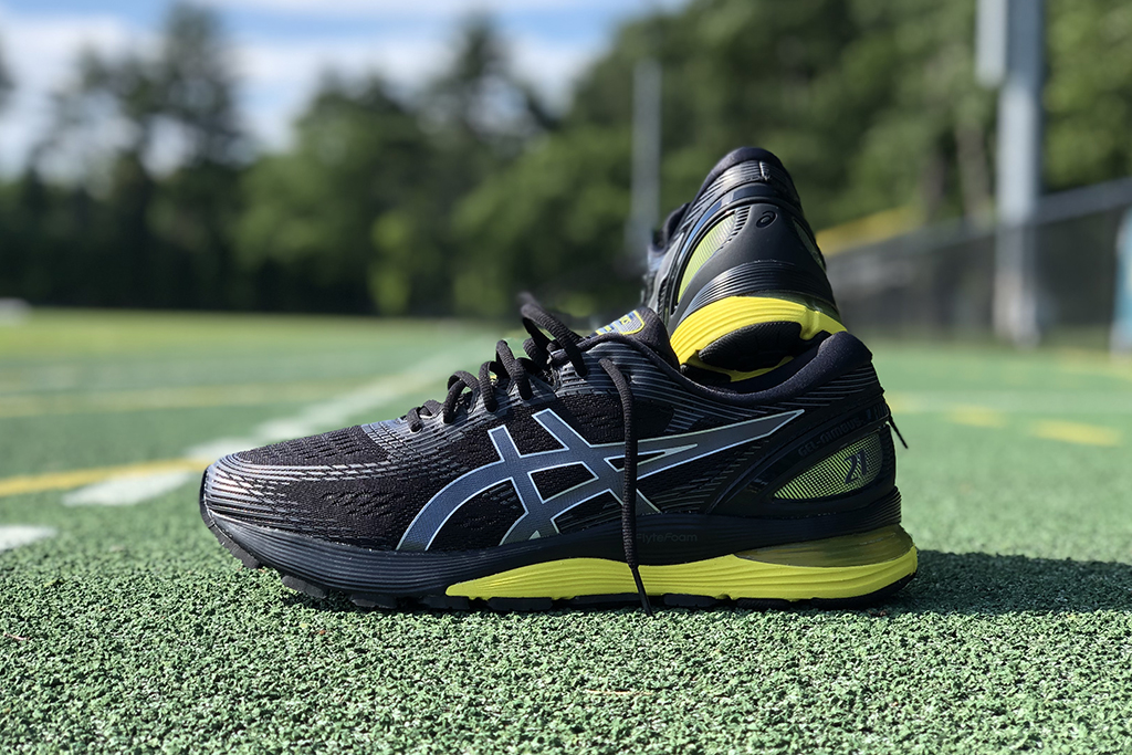 Asics Gel-Nimbus 21 shoes, running sneakers