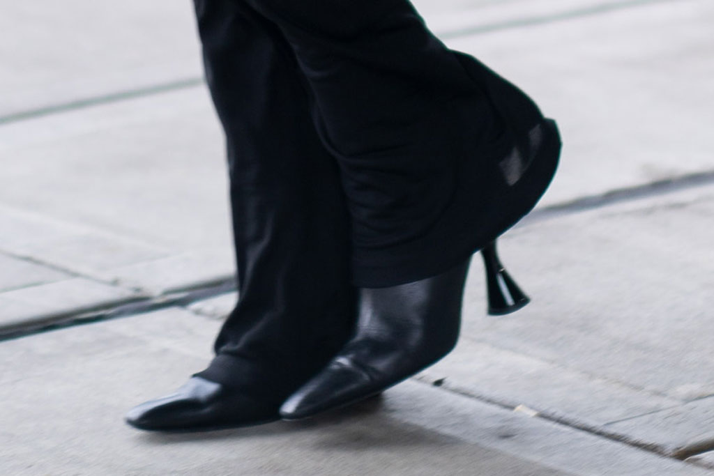 Bella Hadid, cakestand heels, black boots, airport, jfk, celebrity street style