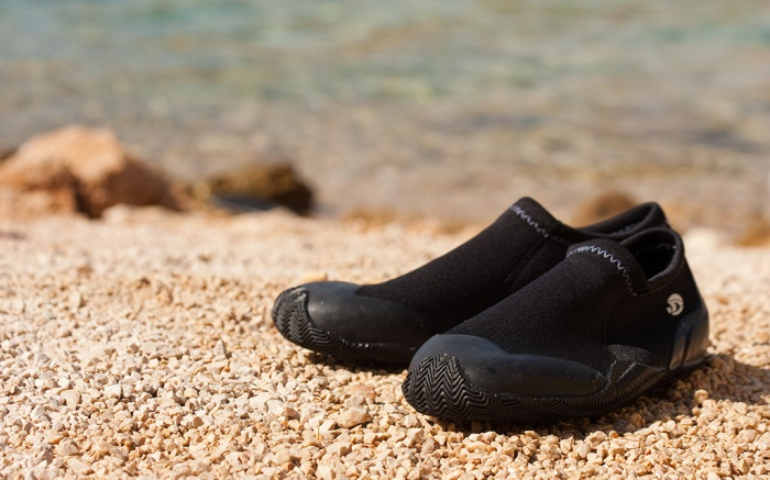 bets water shoes men