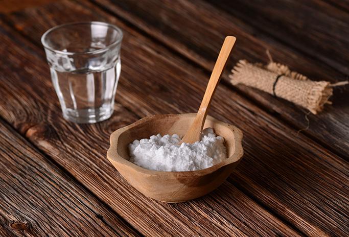 birkenstocks-cleaning-hacks baking soda water