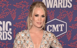 Carrie UnderwoodCMT Music Awards, Arrivals, Bridgestone