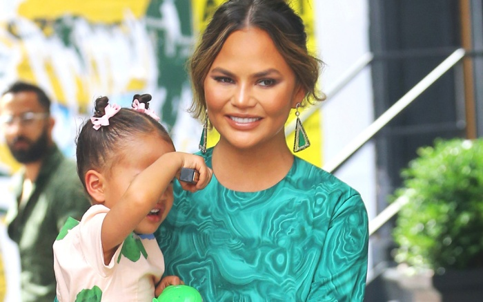 16Arlington dress, Alevi Milano sandals Chrissy Teigen and daughter Luna StephensChrissy Teigen out and about, New York, USA - 24 Jun 2019