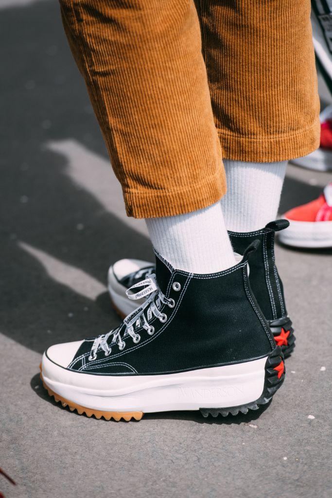 converse x jw anderson, platform sneakers, paris fashion week mens spring 2020, street style