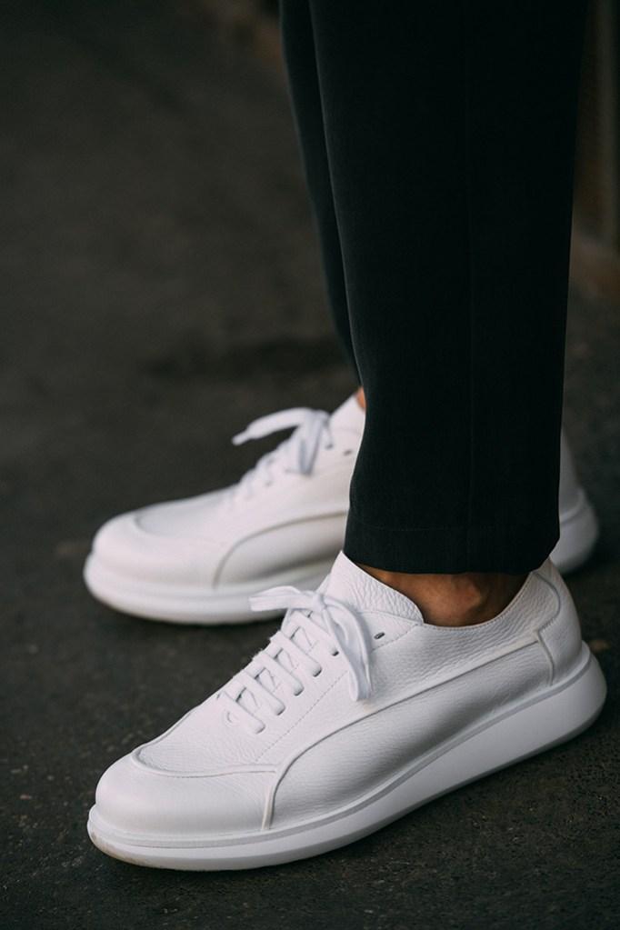 Giorgio Armani, sneakers, street style, milan fashion week mens