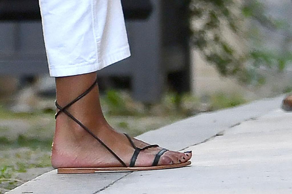 Malia Obama, sandals, pedicure, celebrity shoe style
