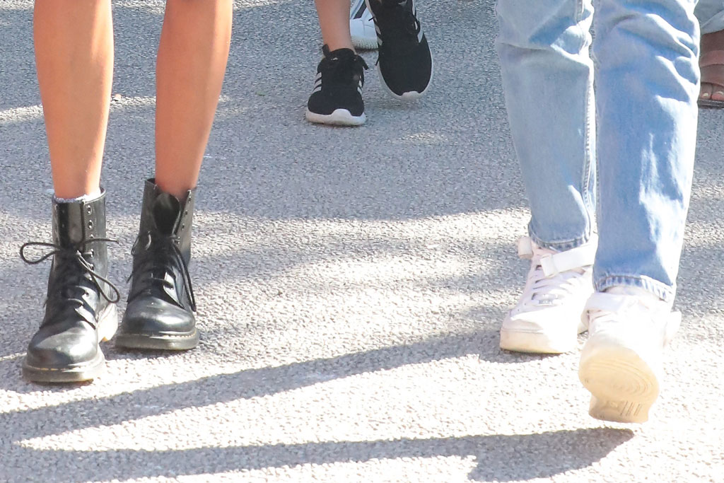 malia, sasha, obama daughters, dr. martens boots, nike air force 1 sneakers, celebrity street style, Isle sur Sorgue, France 26th of June 2019Malia and Tasha Obama, Barack?s daughters, strolling in the market of the little french village of Isle sur Sorgue close to Avignon where they ?re holidaying with the parents Barack and Michelle for a weekABACAPRESS.COMPictured: Ref: SPL5098220 160619 NON-EXCLUSIVEPicture by: AbacaPress / SplashNews.comSplash News and PicturesLos Angeles: 310-821-2666New York: 212-619-2666London: 0207 644 7656Milan: 02 4399 8577photodesk@splashnews.comUnited Arab Emirates Rights, Australia Rights, Bahrain Rights, Canada Rights, Finland Rights, Greece Rights, India Rights, Israel Rights, South Korea Rights, New Zealand Rights, Qatar Rights, Saudi Arabia Rights, Singapore Rights, Thailand Rights, Taiwan Rights, United Kingdom Rights, United States of America Rights