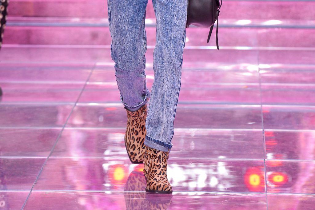 versace, spring, 2020, leopard, top, 10, shoes, milan, fashion, week, men's