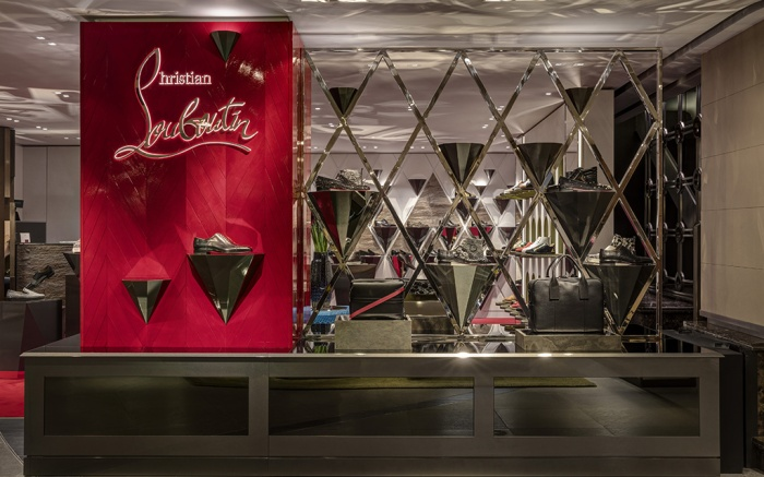 Store Entrance With Signage. Christian Louboutin - Harrods, London, United Kingdom. Architect: N.a, 2016. Christian Louboutin - Harrods, London, United Kingdom. Architect: n.a, 2016.