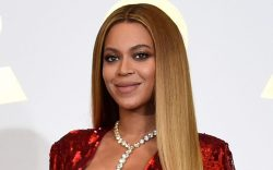 Beyonce poses in the press room