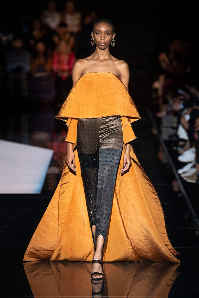 80,000 crystals went into this legwear. Schiaparelli Haute Couture, fall 2019.