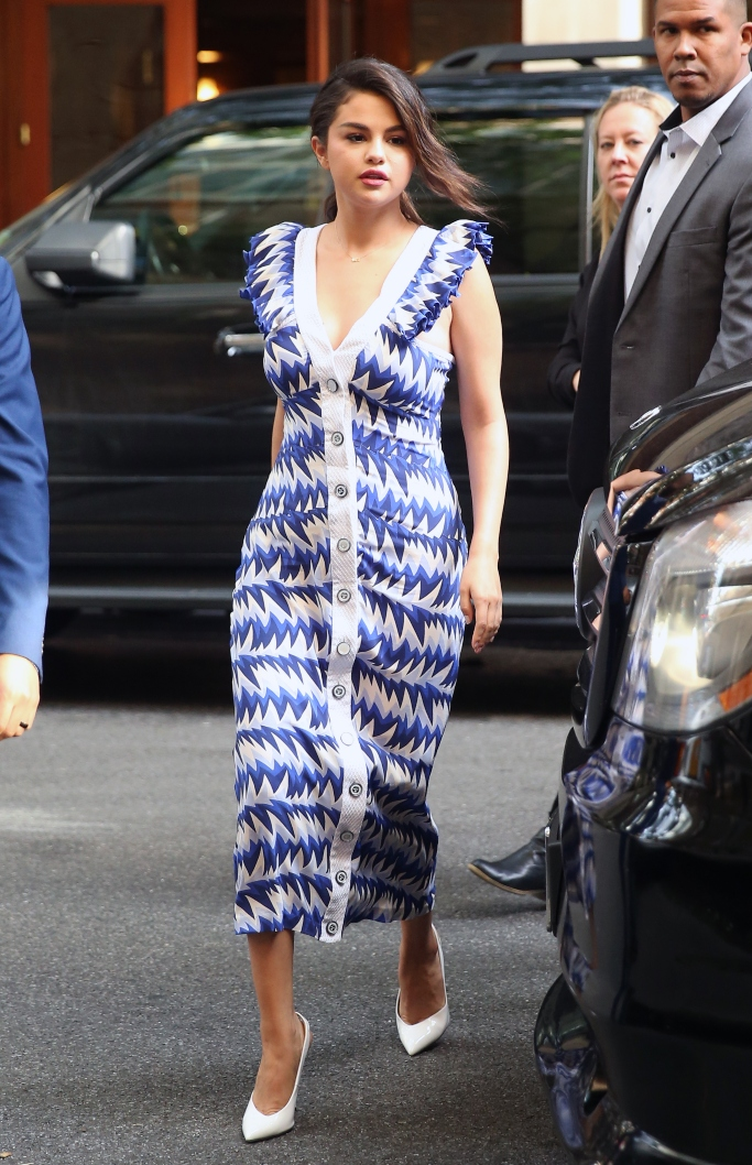 selena gomez, chanel resort 2019, white leather slingback heels