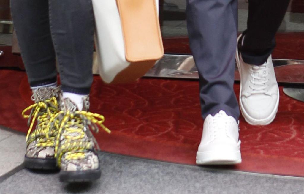 sophie turner and joe jonas shoes