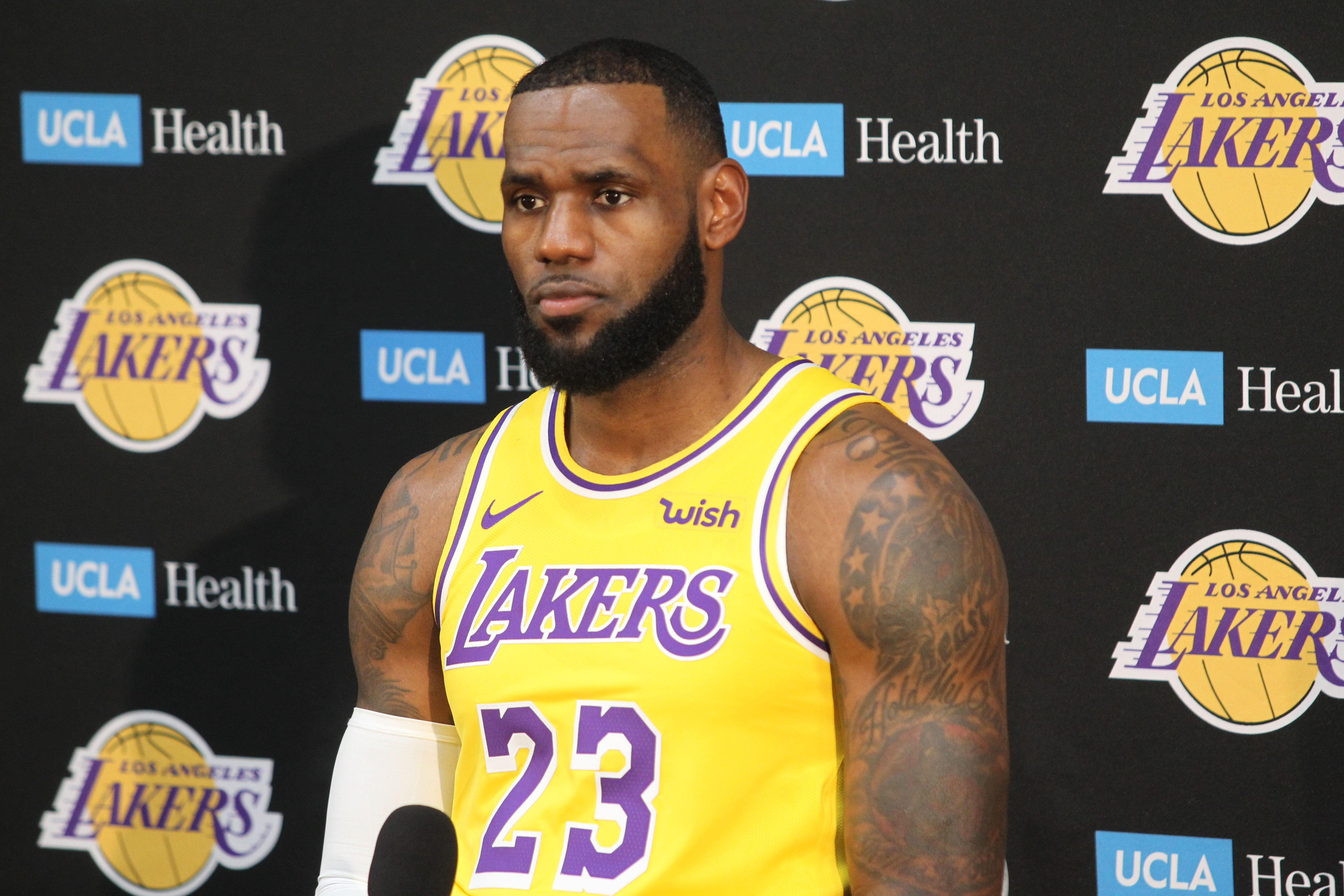 Monday September 24, 2018; Los Angeles Lakers at Los Angeles Lakers Media Day at UCLA Health Center, El Seundo CA.Pictured: LeBron JamesRef: SPL5027246 240918 NON-EXCLUSIVEPicture by: London Ent / SplashNews.comSplash News and PicturesLos Angeles: 310-821-2666New York: 212-619-2666London: 0207 644 7656Milan: 02 4399 8577photodesk@splashnews.comWorld Rights
