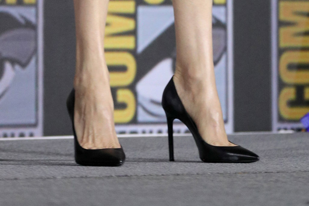 Angelina Jolie, celebrity style, classic black pumps, comic-con, San Diego, California