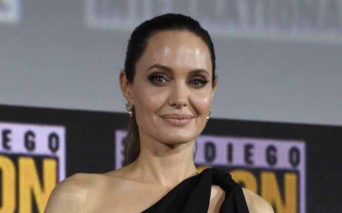 Angelina jolie, marvel studios panel, comic-con, celebrity style, led