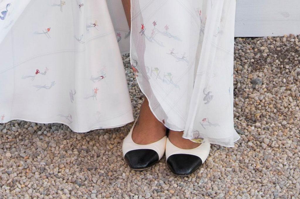 Phoebe Tonkin', ballet flats, chanel dinner, celebrity style,
