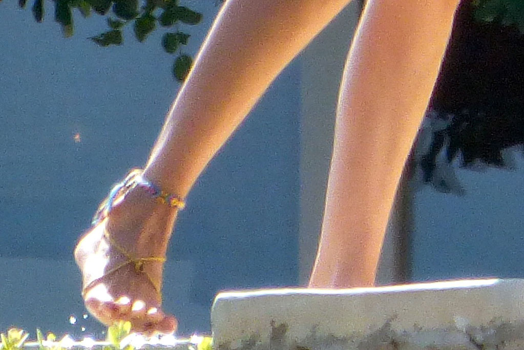 Bella Hadid, barefoot, anklet, feet, pedicure, toes, thong, vacation style, bikini, celebrity style, beach, Mykonos, Greece, summer style, July 2019
