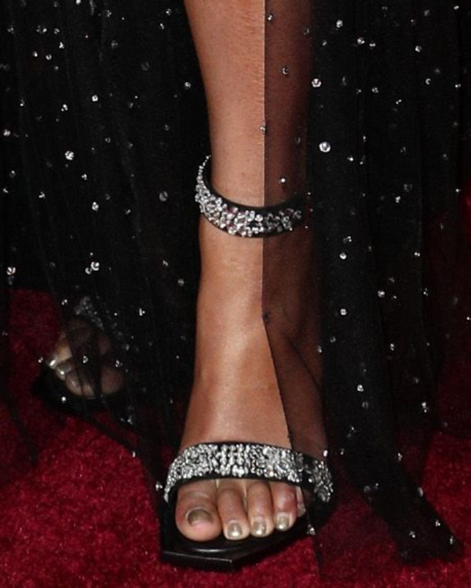 beyonce sparkly sandals, red carpet, the lion king premiere