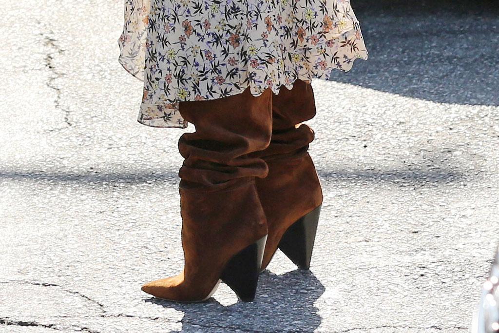 Chrissy teigen, Chloe dress, saint Laurent boots, celebrity style