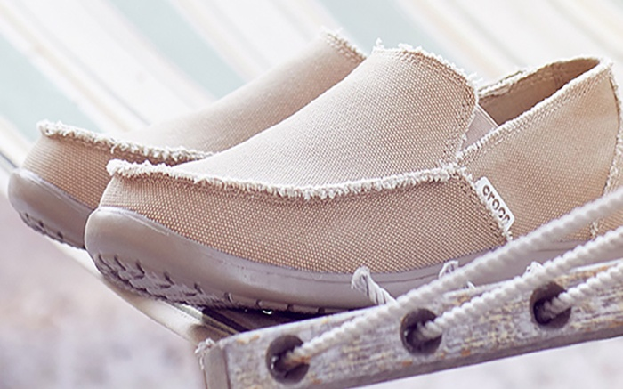 crocs santa cruz loafer shoes, mens