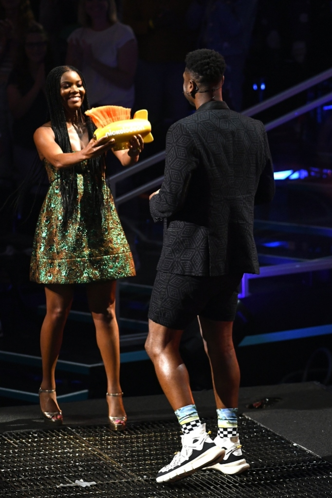 gabrielle union, dwyane wade, Nickelodeon Kids' Choice Sports Awards, legend award