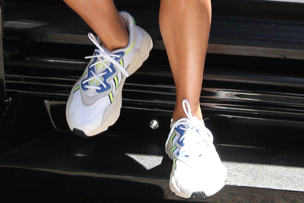 Hailey Baldwin, Adidas ozweego sneaker, celebrity shoe style
