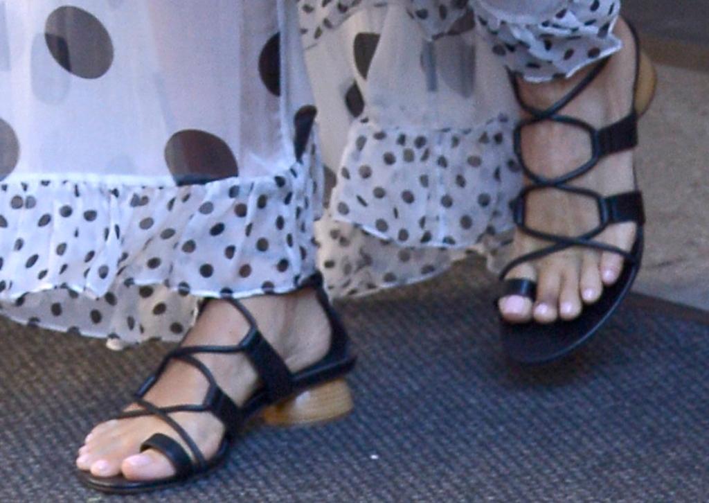 jessica alba gladiator sandals