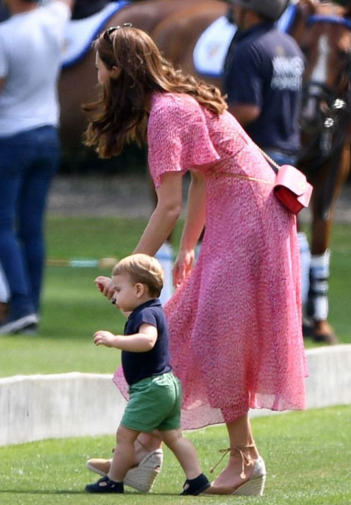 kate middleton, Castaner Carina Espadrilles, prince louis, King Power Royal Charity Polo Day