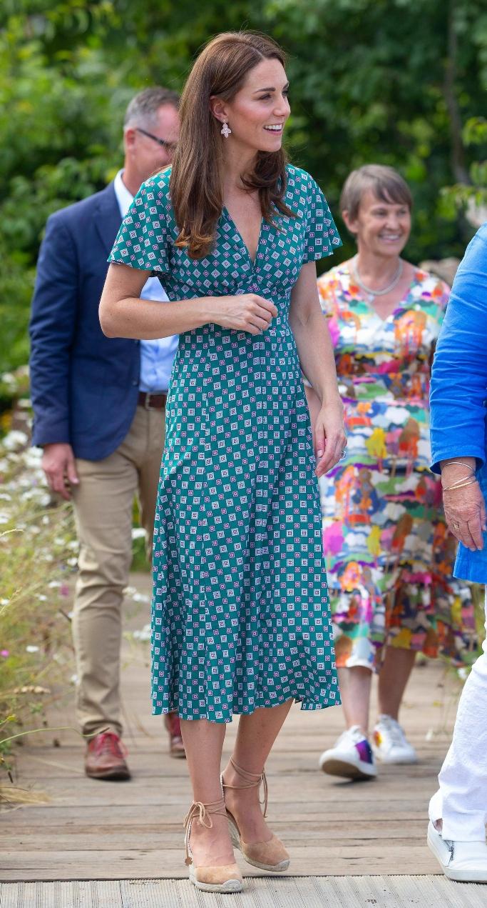 kate middleton, Castaner Carina Espadrilles, sandro summer 2019 dress