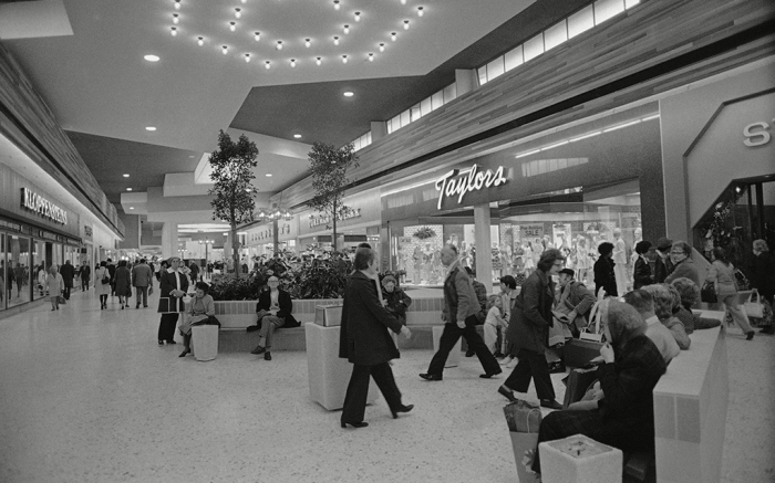 Shoppers in Northgate Mall in 1974