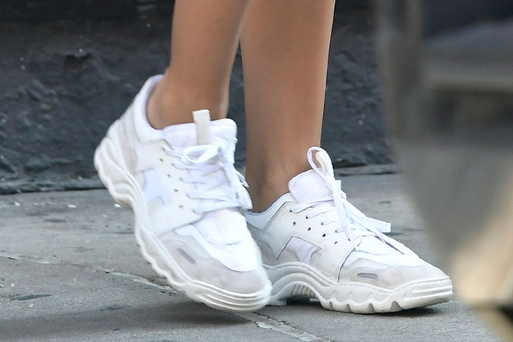 Emily Ratajowski, sneakers, NYC, out and about