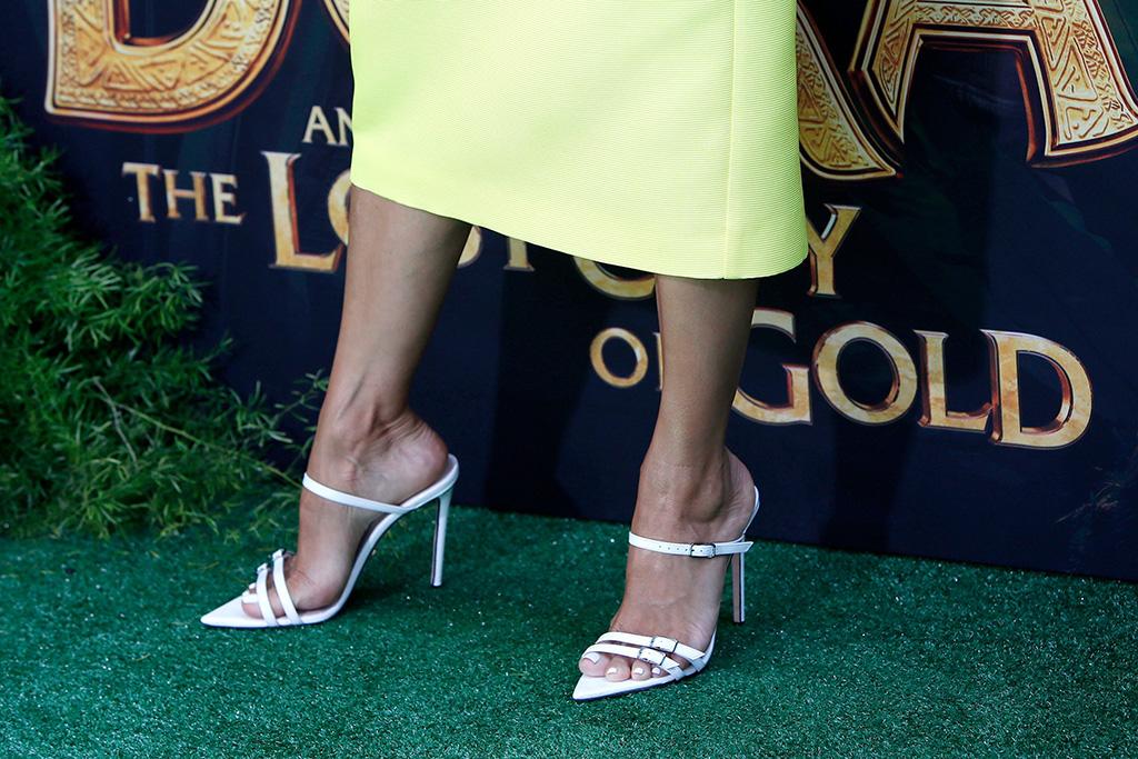 Eva Longoria, Heels, Oscar Tiye, Dora and the lost city, premiere, feet, sandals